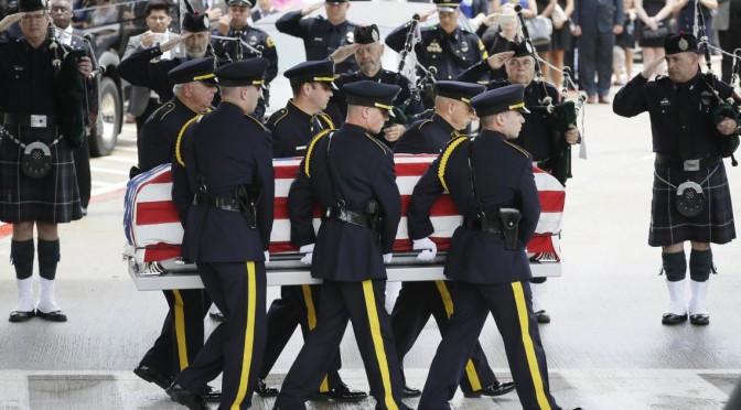 ice_Shootings_Dallas_Funeral.JPG_U8OQ7GP_t1140